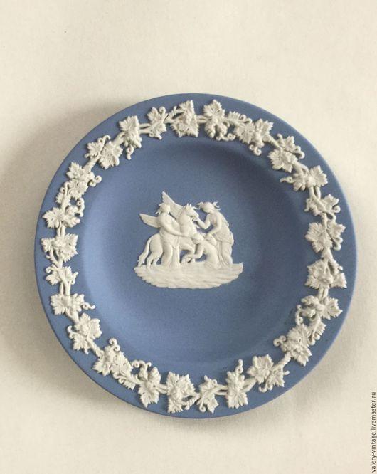 Винтажная посуда. Ярмарка Мастеров - ручная работа. Купить Wedgwood, коллекционная винтажная тарелка, бисквитный фарфор.. Handmade. Голубой, винтаж