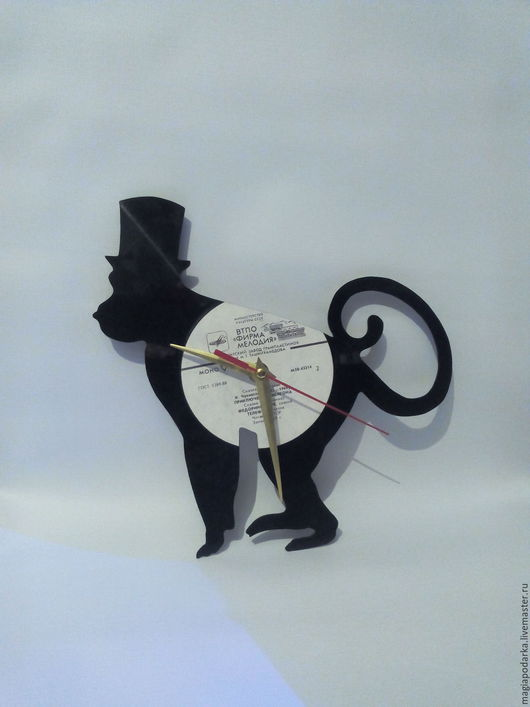 """Часы для дома ручной работы. Ярмарка Мастеров - ручная работа. Купить Часы из виниловой пластинки """"Обезьянка"""". Handmade. Черный"""