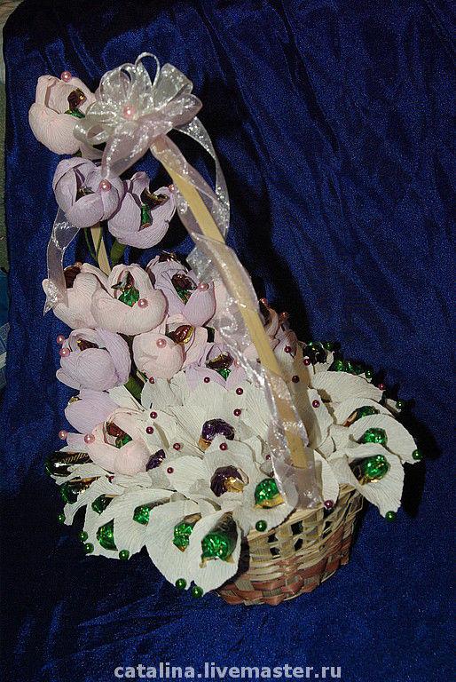 Букеты ручной работы. Ярмарка Мастеров - ручная работа. Купить Корзина из конфет. Handmade. Сладкий подарок, эксклюзивный подарок, бусины