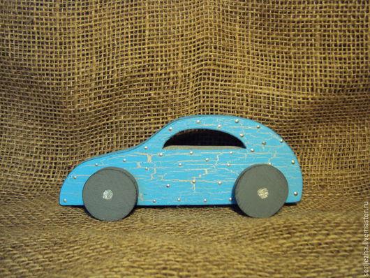 Машинка легковая , декорированная, деревянная игрушка ручной работы