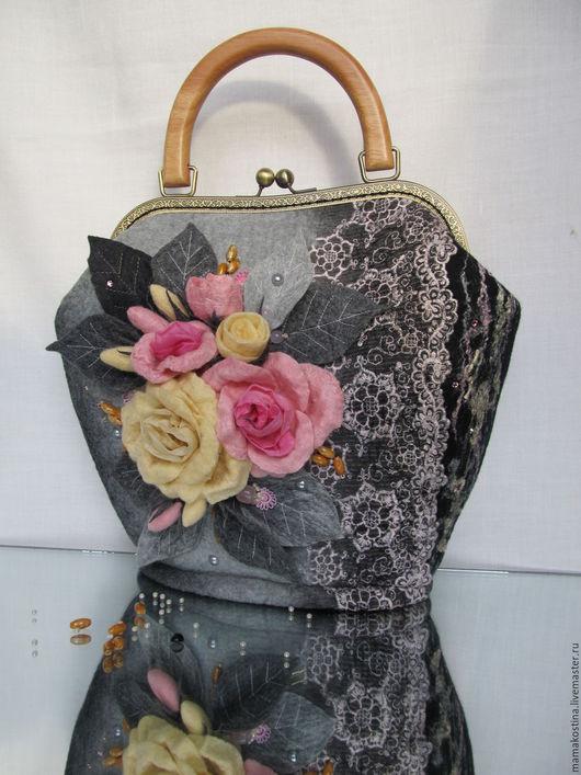 """Женские сумки ручной работы. Ярмарка Мастеров - ручная работа. Купить """" Розовый снег"""". Handmade. Серый, валяная сумка"""