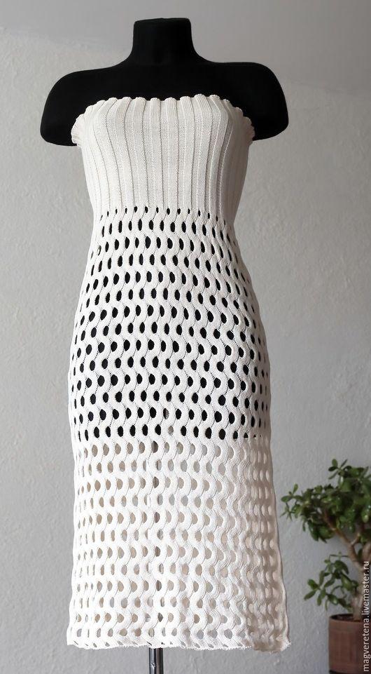 Платье/юбка для пляжного сезона.  Выполнено на вязальной машине, узор сетка-волна