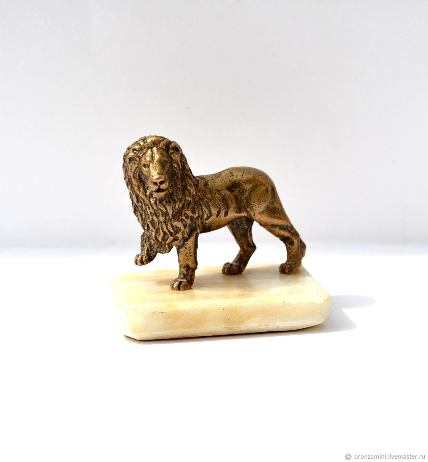 Lion on the stone, Figurines, Kislovodsk,  Фото №1