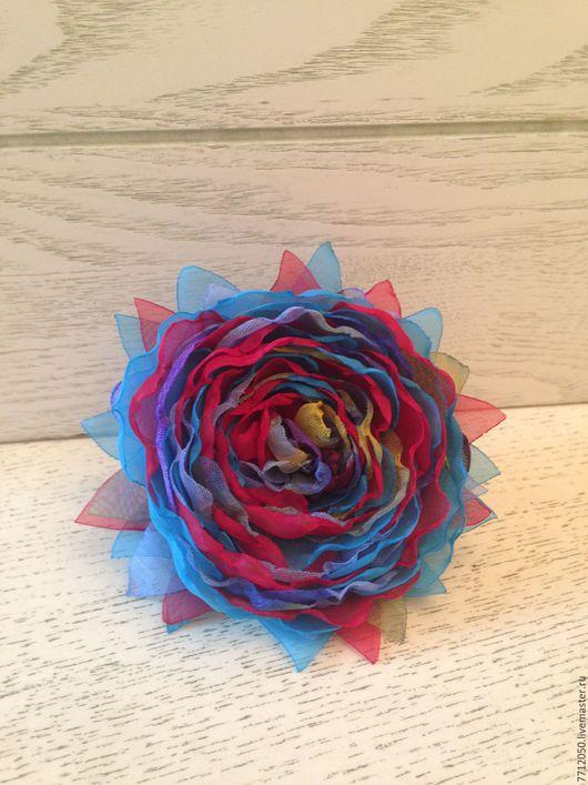 яркая необычная брошь бирюзовая с красным подарок маме сестре девушке бирюзовый закат цветы из ткани необычная брошь в подарок брошка из шифона красивая брошь