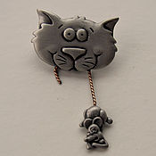 Винтаж handmade. Livemaster - original item Brooch cat with Mouse in teeth from JJ. Handmade.