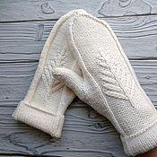 Аксессуары handmade. Livemaster - original item A copy of the knitted Christmas tree Mittens. Handmade.