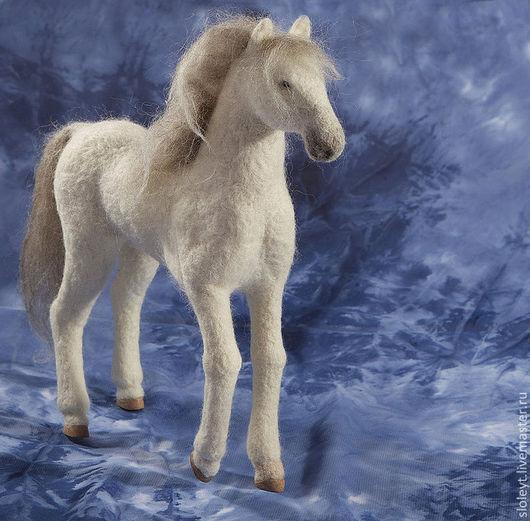Игрушки животные, ручной работы. Ярмарка Мастеров - ручная работа. Купить Конь. Handmade. Белый, овечья шерсть, полимерная глина