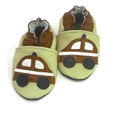 """Обувь ручной работы. Ярмарка Мастеров - ручная работа Кожаные тапочки """"Машинка""""кожаная обувь.пинетки.чешки. Handmade."""