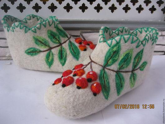 Обувь ручной работы. Ярмарка Мастеров - ручная работа. Купить Валеные тапочки ручного валяния.. Handmade. Комбинированный, тапочки, шерсть