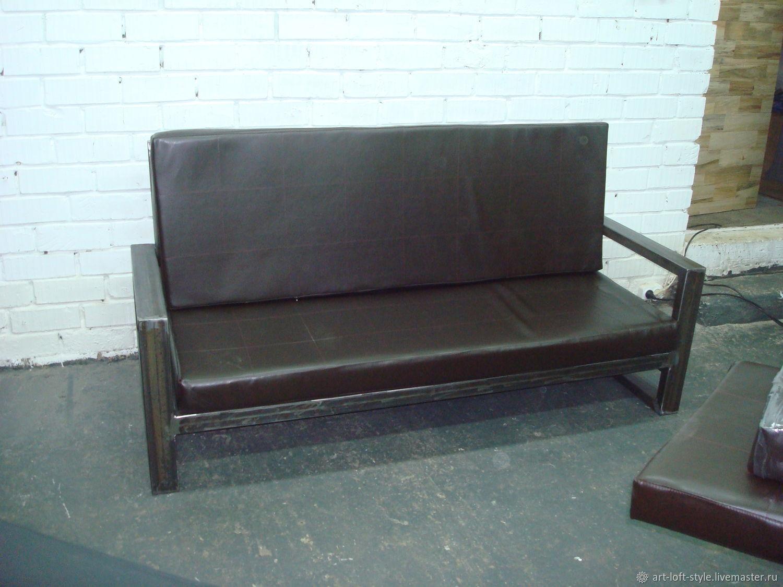 Диван в стиле лофт в Москве. Купить и заказать диван в стиле лофт от производителя мебели лофт.