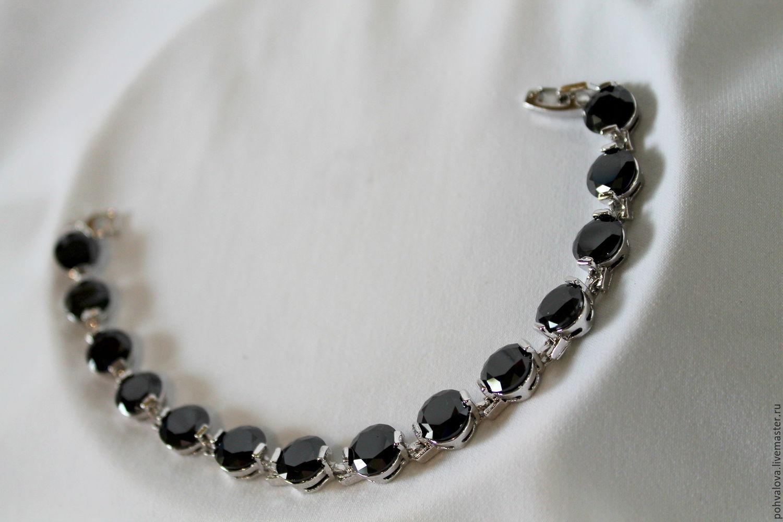 Черный цирконий камень