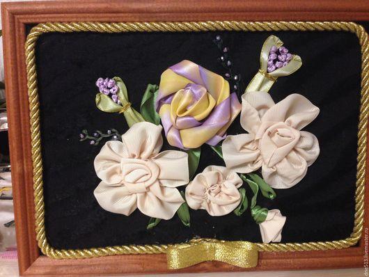 Картины цветов ручной работы. Ярмарка Мастеров - ручная работа. Купить Кремовые розы. Handmade. Бежевый, вышивка, ленты, текстиль