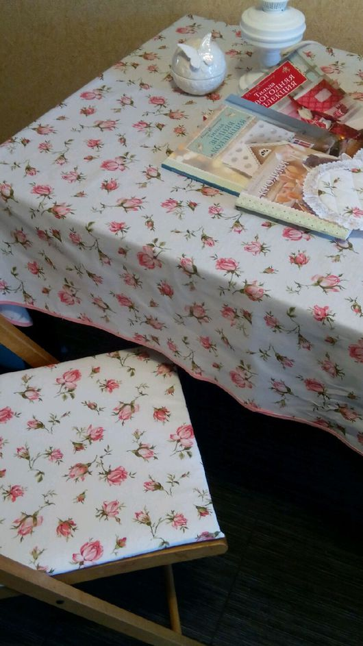 Кухня ручной работы. Ярмарка Мастеров - ручная работа. Купить Скатерть,подушки на стулья,прихватка. Handmade. Кухонный набор, скатерть