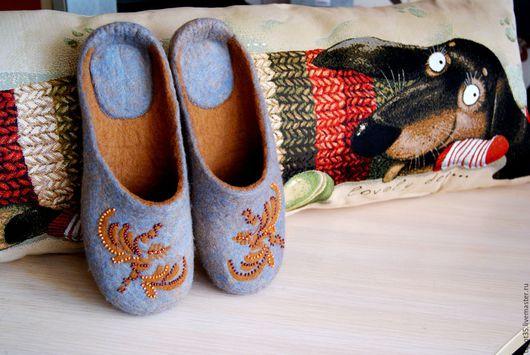 """Обувь ручной работы. Ярмарка Мастеров - ручная работа. Купить """" Осенняя пора..."""" валяные тапочки. Handmade."""