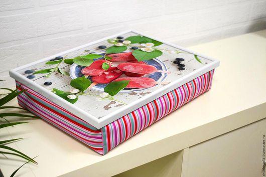 Мебель ручной работы. Ярмарка Мастеров - ручная работа. Купить Столик-поднос на подушке в стиле шебби-шик (с вашей картинкой). Handmade.