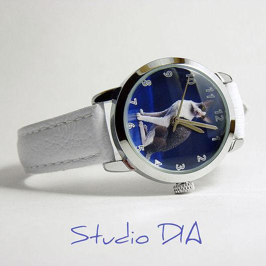 Часы Под Заказ - Фото Кошечки. \r\nЧасы с индивидуальным дизайном под заказ.\r\nСтудия Дизайнерских Часов DIA.