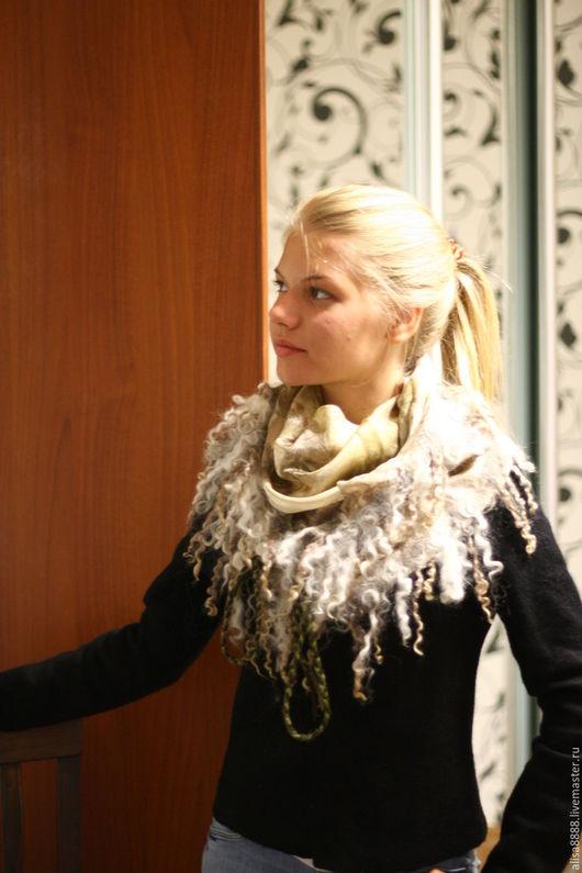 Шали, палантины ручной работы. Ярмарка Мастеров - ручная работа. Купить Бактус-платок Диана-охотница (эко-крашение). Handmade.
