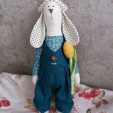 Куклы и игрушки ручной работы. Ярмарка Мастеров - ручная работа Зайчик с тюльпаном в стиле Тильда. Handmade.
