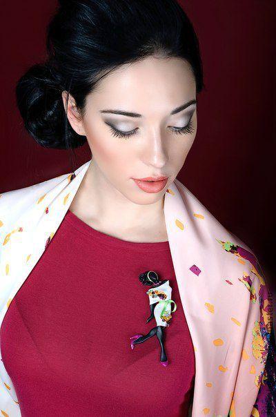"""Броши ручной работы. Ярмарка Мастеров - ручная работа. Купить Комплект брошь """"Лаура"""" и платок. Handmade. Подарок женщине"""