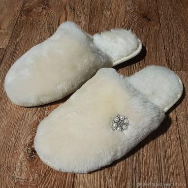 Footwear handmade. Livemaster - original item Slippers made of genuine sheepskin. Handmade.