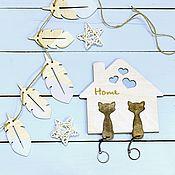 """Ключницы ручной работы. Ярмарка Мастеров - ручная работа Ключница """"Два кота"""", цвет: белый. Handmade."""