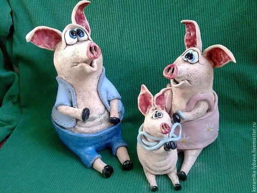 Статуэтки ручной работы. Ярмарка Мастеров - ручная работа. Купить Семейка Свинкиных .. Handmade. Розовый, керамика ручной работы, поросята