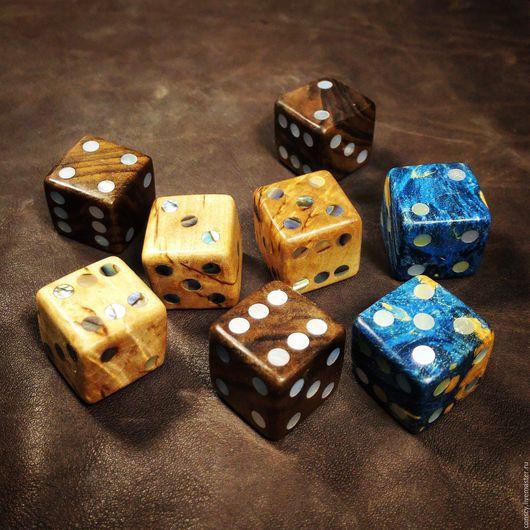 Настольные игры ручной работы. Ярмарка Мастеров - ручная работа. Купить Игральные кубики из дерева с перламутром. Handmade. Коричневый, кубики