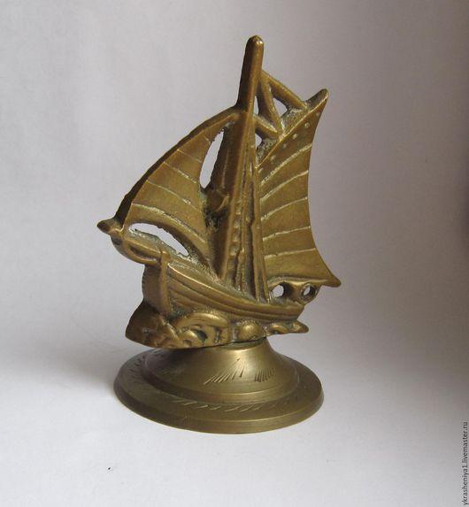Винтажные предметы интерьера. Ярмарка Мастеров - ручная работа. Купить Парусник корабль лодка латунь статуэтка 2. Handmade. Золотой