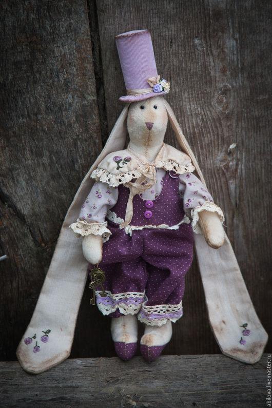 Куклы Тильды ручной работы. Ярмарка Мастеров - ручная работа. Купить Заяц-Ключник. Handmade. Сиреневый, заяц текстильный