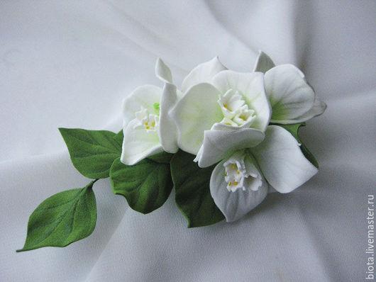 Броши ручной работы. Ярмарка Мастеров - ручная работа. Купить Белая бугенвиллея. Брошь из фоамирана. Handmade. Белый, цветы из фоамирана