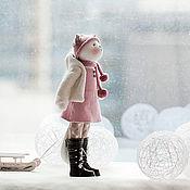 """Куклы и игрушки ручной работы. Ярмарка Мастеров - ручная работа Кошка """"По снегу белому, да на саночках..."""". Handmade."""