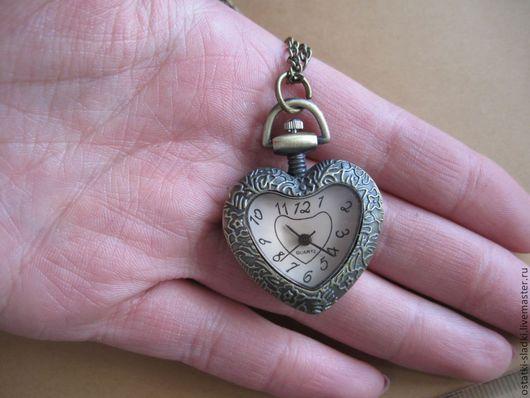Для украшений ручной работы. Ярмарка Мастеров - ручная работа. Купить Часы на цепочке , бронза, ключик  сердце. Handmade. Кремовый