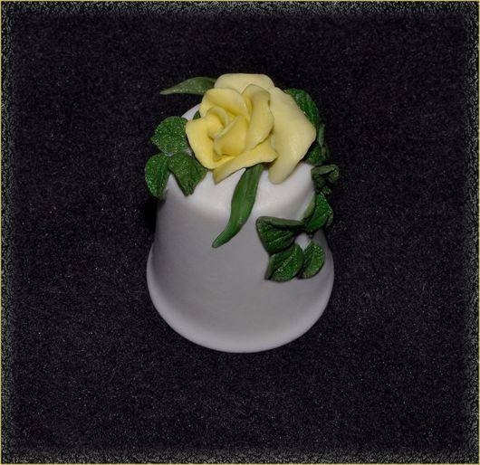 Сувенирный фарфоровый наперсток, декор - роза, любые цветы на заказ