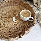 Утварь ручной работы. Ярмарка Мастеров - ручная работа Плетеный поднос с деревянными ручками. Handmade.