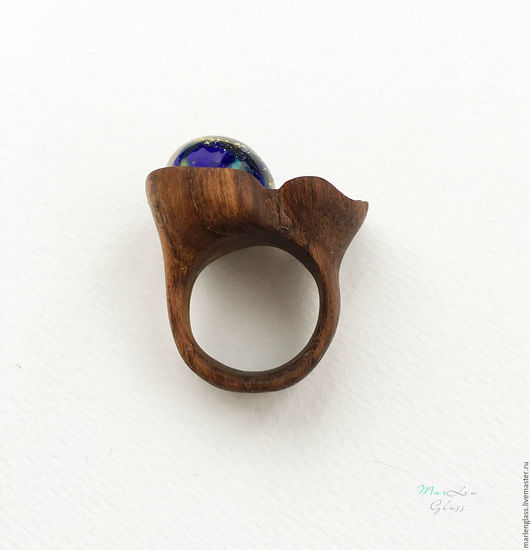 Кольца ручной работы. Ярмарка Мастеров - ручная работа. Купить Кольцо из тика с лепестком. Handmade. Тёмно-синий, деревянное кольцо