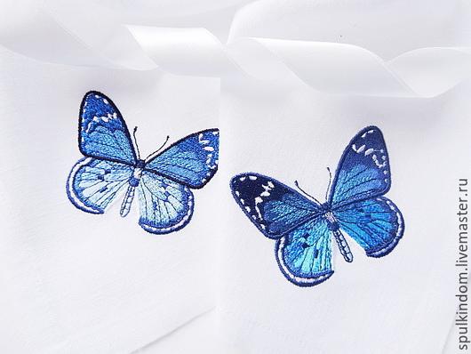 Салфетка с вышивкой  `Бабочка`  Слева `черничная`, справа `бирюзовая` `Шпулькин дом` мастерская вышивки