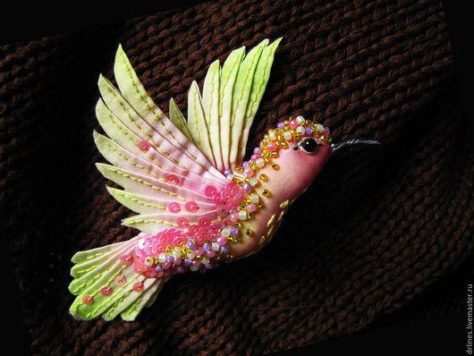 """Броши ручной работы. Ярмарка Мастеров - ручная работа. Купить Брошь """"Колибри"""". Handmade. Комбинированный, птички, птица, украшение, брошка"""