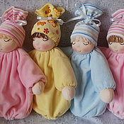 Куклы и игрушки ручной работы. Ярмарка Мастеров - ручная работа Вальдорфская кукла-грелка.Спящие малыши.. Handmade.
