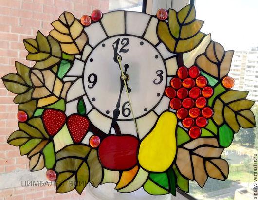"""Часы для дома ручной работы. Ярмарка Мастеров - ручная работа. Купить Витражные часы """"Фруктовые с листьями"""". Handmade. Разноцветный"""