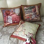 Подушки ручной работы. Ярмарка Мастеров - ручная работа Лоскутные подушки Девочка с котятами. Handmade.