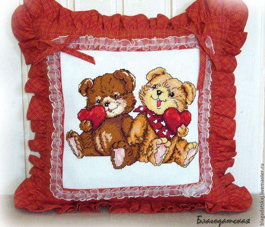 Текстиль, ковры ручной работы. Ярмарка Мастеров - ручная работа. Купить Подушка Мишки с любовью. Handmade. Ярко-красный, кружево