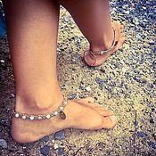 Украшения ручной работы. Ярмарка Мастеров - ручная работа Женский плетеный оберег - браслет на ногу с амазонитом и рубином. Handmade.