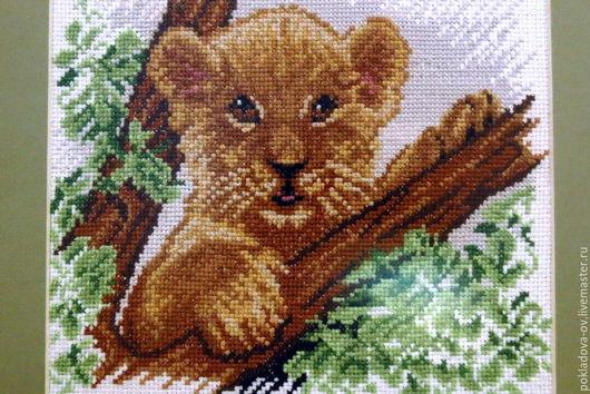 Животные ручной работы. Ярмарка Мастеров - ручная работа. Купить Вышитая картина Львенок. Handmade. Бежевый, картина вышитая крестом