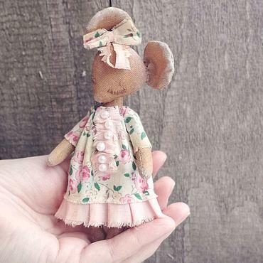 Сувениры и подарки ручной работы. Ярмарка Мастеров - ручная работа Мышка символ 2020 года кофейная игрушка. Handmade.