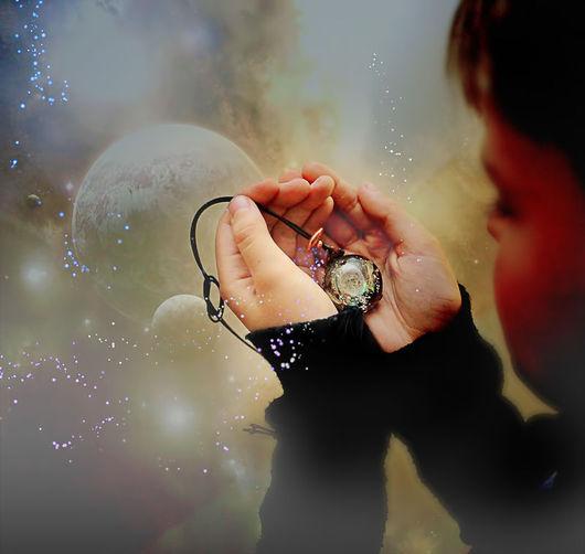 """Кулоны, подвески ручной работы. Ярмарка Мастеров - ручная работа. Купить Кулон """"Галактика на поясе Ориона"""" lampwork. Handmade. Галактика"""
