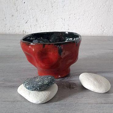 Посуда ручной работы. Ярмарка Мастеров - ручная работа Пиала керамическая ручной работы Красное и Черное. Handmade.