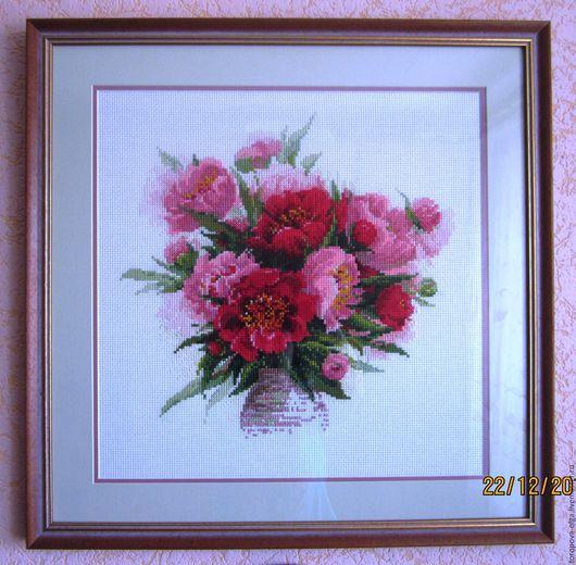 Картина вышитая `Пионы в вазе`. Ярмарка мастаров -  ручная вышивка. Handmade. Цветы