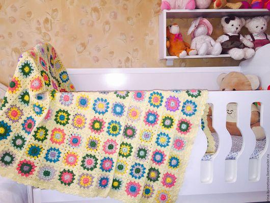 """Пледы и одеяла ручной работы. Ярмарка Мастеров - ручная работа. Купить Плед """"Веселые цветы"""". Handmade. Комбинированный, уютный"""