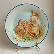 """Посуда ручной работы. Ярмарка Мастеров - ручная работа Роспись фарфора. Тарелка """"Крольчата"""". Handmade."""