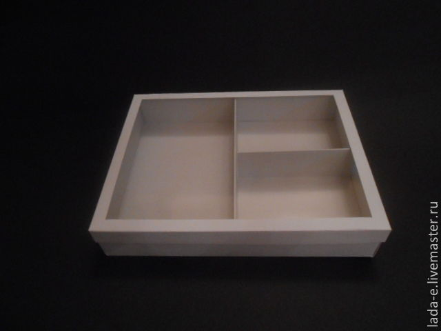 Box with partitions of a design paper, Packing box, Moscow,  Фото №1